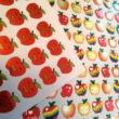 Matrica - pici almák fémesen csillogóMatricaív - fémesen csillogó almák - Apple stickers - 80 pcs per sheet