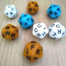 Húszoldalú kocka az ábécé betűivel – nyelvtanítós, fejlesztő, gyógypedagógiai, logopédiai játékokhoz - karamell