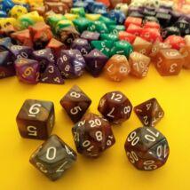Kockakészlet lapszámozva, 7 db-os, kétszínű, rozsdabarna-krómszürke - sok egyéb színben!