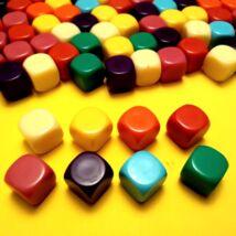 Üres, színes dobókockacsomag, 16 mm X 8 különböző szín - írható, felmatricázható felületű