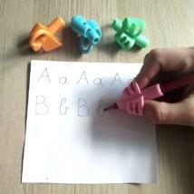 Ceruzafogó – az írástanulás megkönnyítésére, az ideális íróeszköztartás elsajátítására – rózsaszín