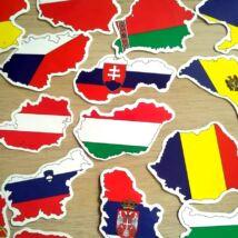 Országok körvonalai alakú matricák az állam zászlójának színeiben, 50 db-os