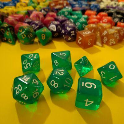Kockakészlet lapszámozva, 7 db-os, áttetsző világos smaragdzöld - sok egyéb színben!