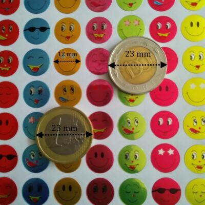 Matrica - mosolygós arcok smiley-k fémesen csillogó, 12 mm, 63 db / ív