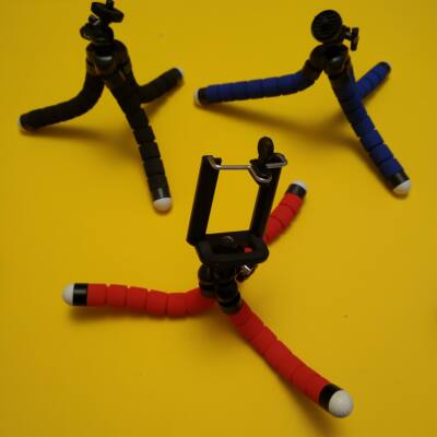 """Telefontartó tripod miniállvány """"polip"""" hajlítható lábakkal, tartókerettel - kék (több színben, bleutooth elsütő is kapható hozzá)"""