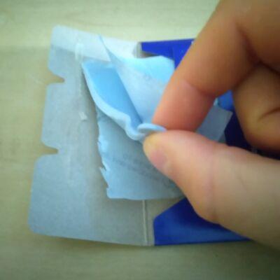 Blu - Tak újrahasználható, lágy, gyurmaállagú ragasztó - tanarbolt.hu - Játékos feladatötletek, alapanyagok, kellékek.