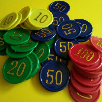 Zsetonkészlet számozva 35 mm - szituációs játékokokhoz, játékpénznek, számoláshoz, 20 db (5 db/címlet)