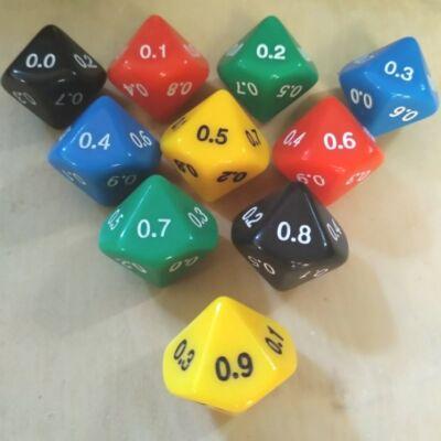 Tízoldalú kocka tizedestörtekkel számozva - számoláshoz - műveletekhez - matematika- és idegen nyelvi órán - sárga - színválaszték