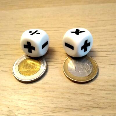 Dobókocka a négy alapművelet jelével – 15 mm-es élhossz – Alsós matek - számolás gyakorlása – Idegen nyelvek - angol tanítása