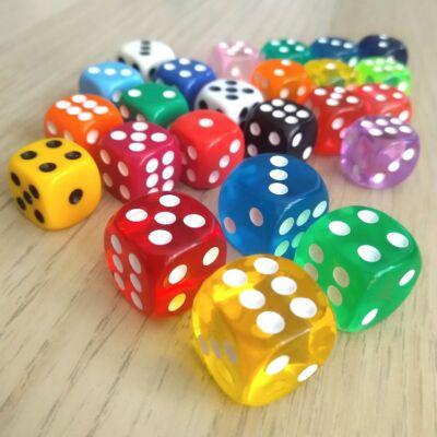 Hagyományos dobókockák 1-től 6-ig pöttyözve – Áttetsző kockacsomag – Transparent dice set