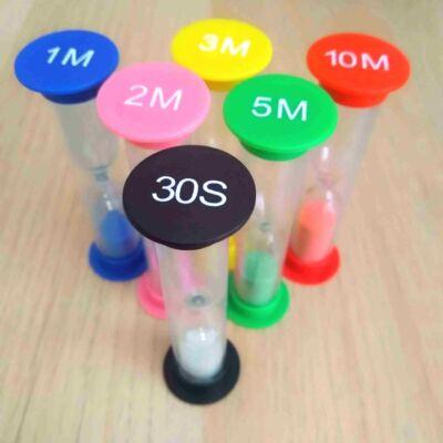 Homokóra – időkeret méréséhez – játékok – feladatok – nyelvvizsgára készülés – szóbeli tételek – feleltetés – 30 másodperces fekete